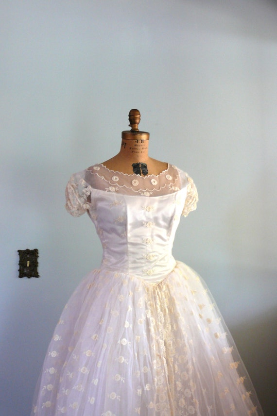 vintage 1950s Dress // Wedding Gown // Lace Full Skirt //