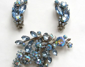 "Free Shipping to US. Light Sapphire Blue ""Beau Jewels"" vintage Brooch & Clip earrings - STUNNING!"