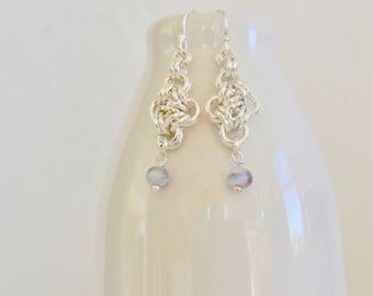 Perlen Chainmaille Lavendel Perlen Tschechische Chainmaille Ohrringe - Sterling versilbert Ohrringe - BALUS Studio
