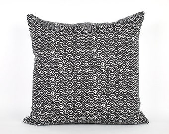 Black Scallop Watercolor Pillow Cover