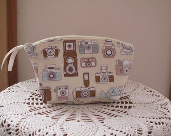 Vintage Camera Bag, Small Cosmetic Clutch, Essential Oils Case, Made in USA Antiquebasketlady
