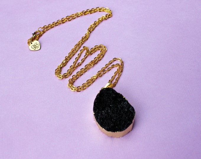 The Robjant Couture Druzy Crystal Necklace in Black/Gold.