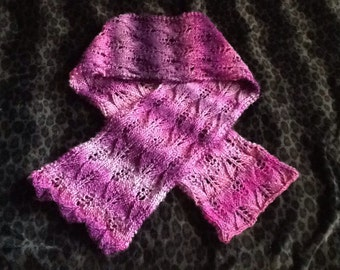 Knitting PATTERN Reversible Lace Leaf SCARF