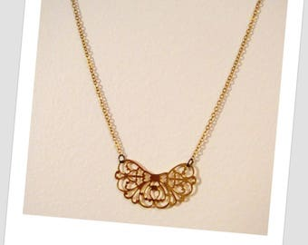 Gold plated necklace getaway