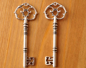 2x Very Large Tibetan Silver Skeleton Key Charms Pendants Santa Wedding 82mm (TSC47)