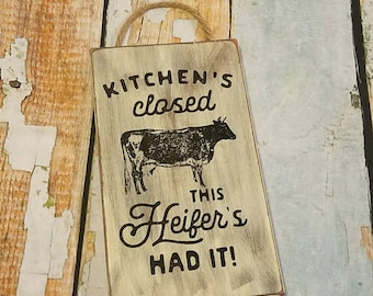 Kitchen's closed Wood wall hanging