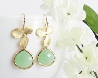 Green Earrings, Orchid Earrings, Mom Earrings, Mothers Day Gift, Bridesmaid Earrings, Wedding Jewelry, Jewelry Gift