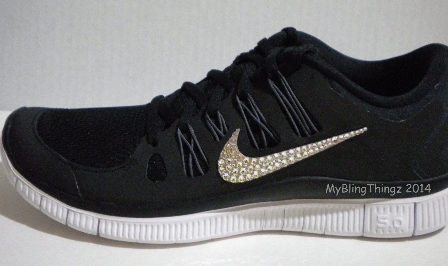 nike womens free 5.0 v4 running shoes black\/silver tribal decals