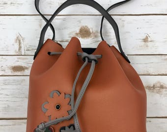 Genuine leather handbag, bucket style, crossbody. Leather handbag. Boho handbag. Ethnic handbag. Bohemian, Hippie. Brown .