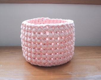 Crochet Basket / Light Pink