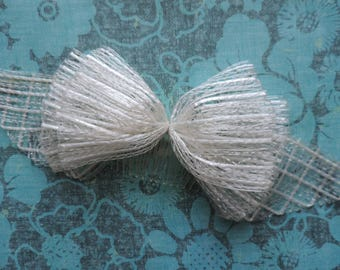 vintage mesh hair bow 1950s white big bow comb wedding day veil detail