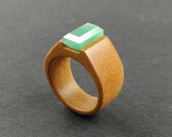 wooden ring //wood ring //natural jewelry //women wood ring //Garapa tree wood ring with an Aventurine faceted stone -Size 18 mm (USA 7 3/4)