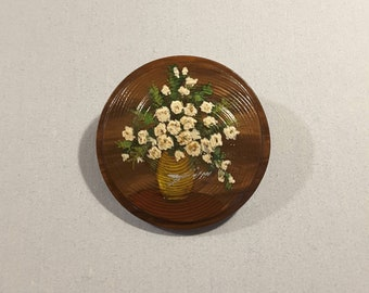 Very large hand painted vintage button of daises - 1930's.