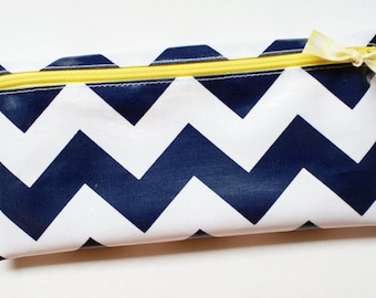 Cash budget envelope system wallet with 6 tabbed dividers   navy and white chevron with yellow zipper