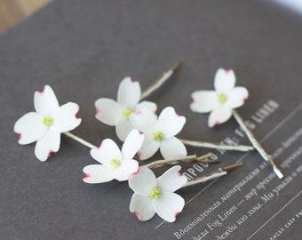 Dogwood flower hair pins - white flower hair clips - bridal hair clip set - wedding flower bobby pins - bridal hair pins - floral headpiece
