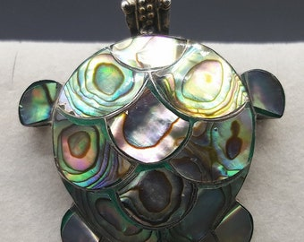 Brooch / pendant 'TURTLE' Silver and mother of Pearl