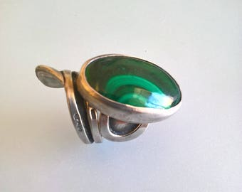 Artistic Sterling Silver Ring With A beautiful Malachite Stone