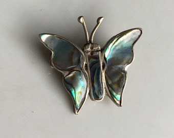 Beautiful vintage Mexican Silver butterfly pin brooch, set with gorgeous shimmering abalone shell