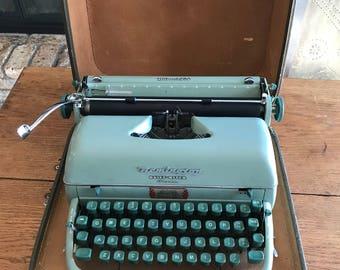 Vintage Green Remington Quiet Riter Eleven Typewriter - Remington Rand Seafoam Portable Typewriter With Original Case