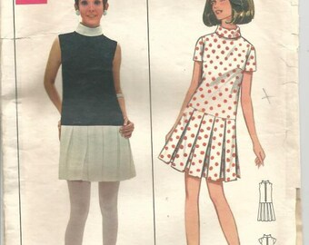 1960s Mary Quant Low Waisted Pleated Dress Sleeve Variations V & A Exhibit Butterick 4831 Size 10 Bust 32.5 Women's Vintage Sewing Pattern
