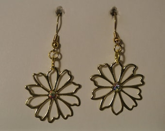 Gold Flower with Small Diamond and Gold Fishhook