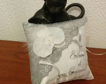 ring pillow in silver with lace - wedding Orchid theme