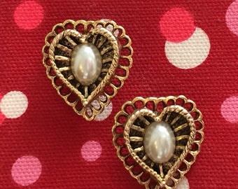 Scallop and Lace Heart Shape Earrings