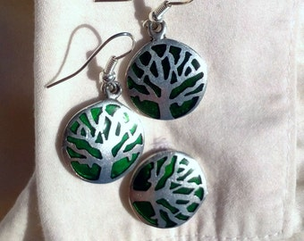 Green Trees for Office Ladies: matching earrings and cuff links