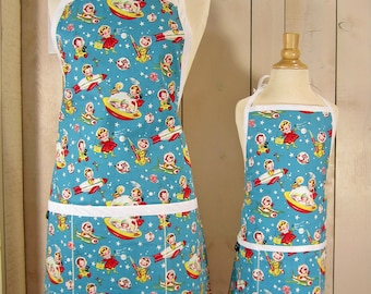 Rocket Rascals Mommy and Me Apron Set - Young Adult/Teen Size -  Reversible Apron Set