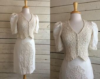 white cotton linen two piece suit - short sleeve jacket top - pencil skirt - ribbon applique - wedding suit
