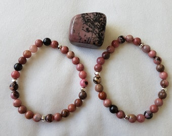 Rhodonite crystal and silver tone bead bracelet