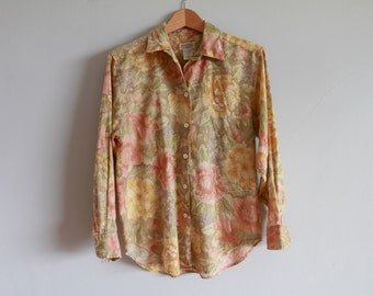 1980s Banana Republic Linen Safari Blouse / Khaki Watercolor Florals Button Up