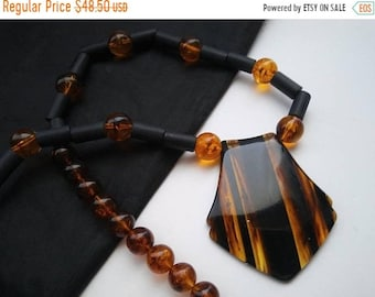 ON SALE Vintage Brown Lucite Necklace 1950s 1960's Costume Jewelry Retro Rockabilly Glamour Girl Style Chunky Statement Accessories