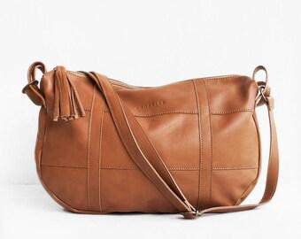 SALE / Leather Crossbody Bag in Caramel Brown, Crossbody Bag Brown, Leather Bag Brown, Leather Messenger Bag, Camel Bag, Shoulder Bag
