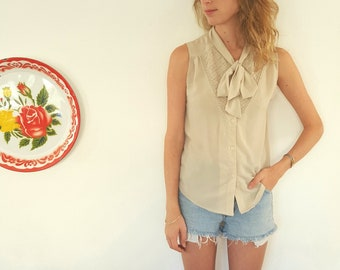 Sleeveless Cream Elegant Buttoned Bohemian Blouses Knotted Kirna Vintage Top Shirt Blouses by Kirna