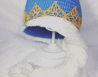 Princess hat with braid
