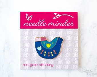 Magnetic Bird Needle Minder, Embroidery Hoop, Magnetic Needle Keeper, Needle Nanny for Hand Sewing, Hand Embroidery, Enamel Pin