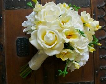 Crème Gardenia artificiel Ivoire et jaune, Rose et Freesia Bouquet (Ivoire Bouquet, Bouquet jaune, jardin mariage)