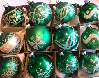 Christmas Ornaments, Vintage Ornaments, Christmas Tree Ornaments, Vintage Christmas Tree Ornaments, Green Ornaments