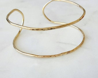 Double hammered bangle / bracelet / sterling silver / gold filled / gift / simple jewelry / handmade / cuff