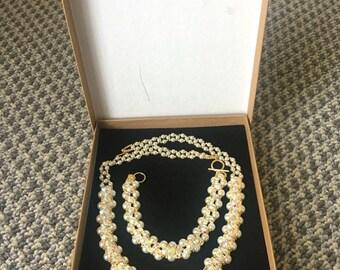 Unique necklace and barcelet