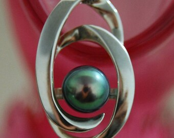 Beyla - Black Peacock Pearl Pendant, freshwater pearl pendant, sterling silver pendant, pendant necklace, pearl jewelry, June birthda, gift
