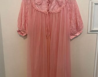 Vintage 60's Pink Lace Chiffon Bed Jacket   Audrey Hepburn Inspired   Vintage Nightgown