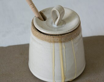 Pottery Honey Jar, Ceramic Honey Pot , Honey Container with Dipper, White Jar, Rustic Jar, Handmade Pottery, Honey Gift, Honey Keeper
