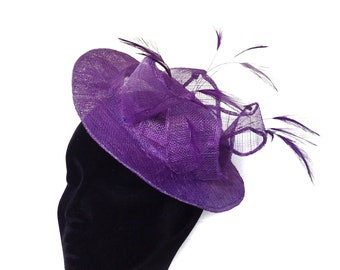 Purple hatinator with feathers. Wedding hat. Royal Ascot headpiece. Graduation gift for her. Bridesmaid fascinator. Church hat. Dressy hat