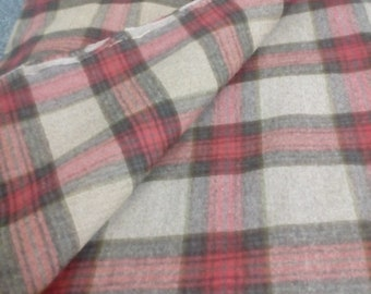 Fine check wool fabric