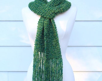 Knit emerald green scarf, long scarf with fringe, winter green fringe scarf, gift for her, emerald green knit scarf, knit scarf with fringe
