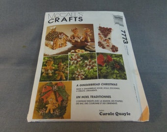 Christmas Holiday Decor, Gingerbread House, Ornaments, Stocking, Wreath, Poinsettia, Uncut, McCalls Crafts 7773, 1995