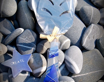 """Sea Glass Pie Server made with Recycled Bottle """"Tumbled Island Glass""""  in Cobalt Blue. Dishwasher Safe. Stainless Steel."""