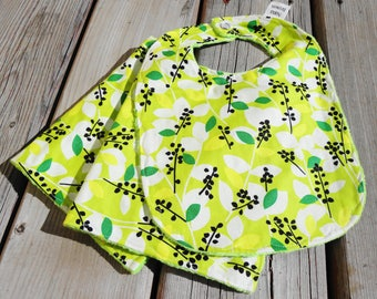 Baby Set: Baby Bib,  Burp Cloths - Green Tea